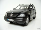 MAISTO 1:24 Mercedes Benz ML