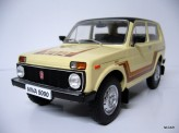 MODEL CAR GROUP 1:18 Lada Niva 1.6 1981
