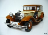 MODEL CAR GROUP 1:18 Mercedes Benz 460/460K Type Nürburg 1928
